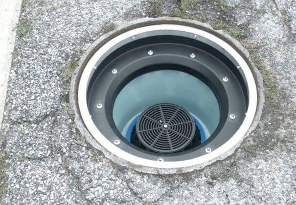 Storm drain insert filter for gas stations