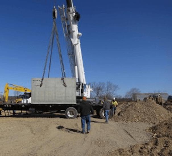 Stormwater filtration valt installation