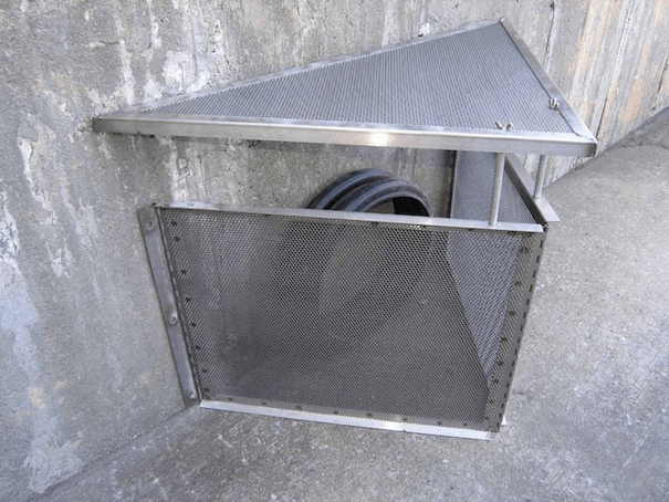 stormwater filtration system on connector pipe