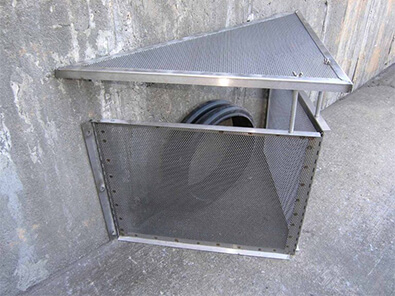 connector pipe screen stormwater trash debris capture device