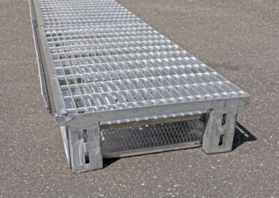fabco industries flume screenbox trash and debris capture device end close up