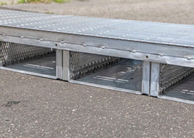 fabco industries flume screenbox trash and debris capture device filter in