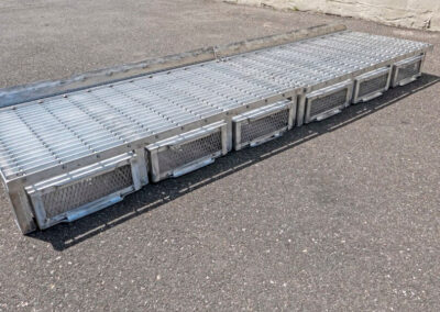 fabco industries flume screenbox trash and debris capture device filter in back side