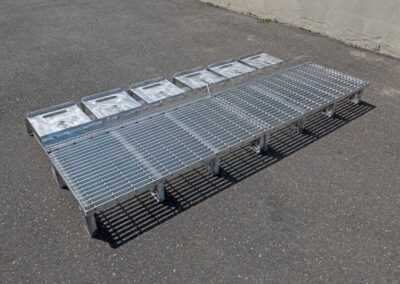fabco industries flume screenbox trash and debris capture device filter out back side