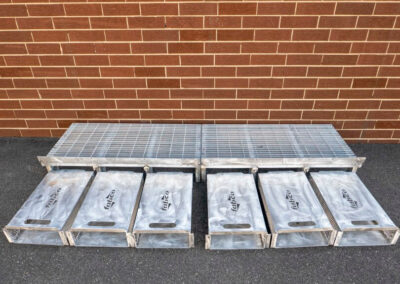 fabco industries flume screenbox trash and debris capture device filter out flat line up