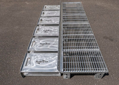 fabco industries flume screenbox trash and debris capture device filter out full view