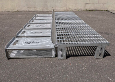 fabco industries flume screenbox trash and debris capture device filter out side view